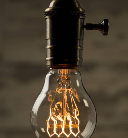 Vintage Style Light Bulb: Pear